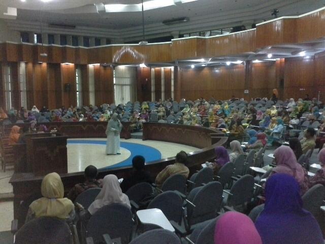 Seminar Parenting Di Widyaloka Unibraw